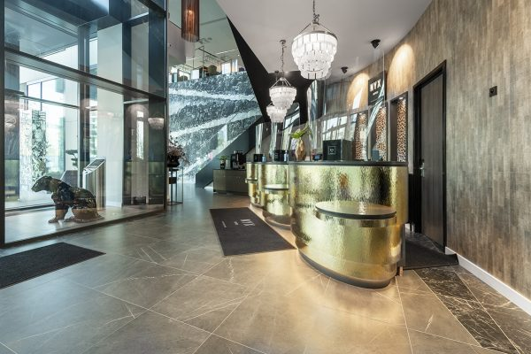 bkt system drzwi hotel NYX (1)